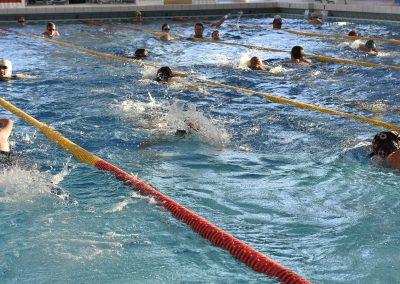 23 Das 24-Stunden Schwimmen in der ersten Stunde