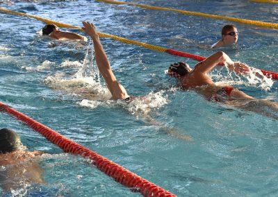 24 Das 24-Stunden Schwimmen in der ersten Stunde
