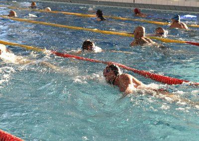 26 Das 24-Stunden Schwimmen in der ersten Stunde