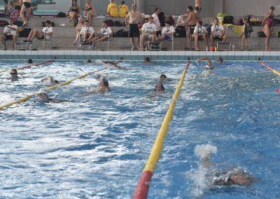 9 Das 24-Stunden Schwimmen in der ersten Stunde